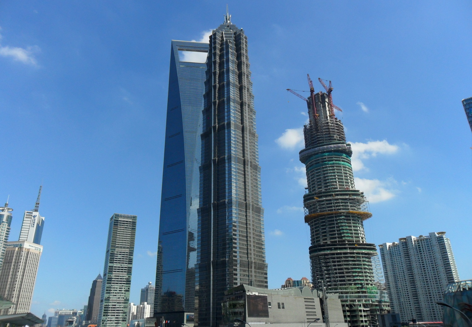 Der 420m hohe Jin-Mao Tower